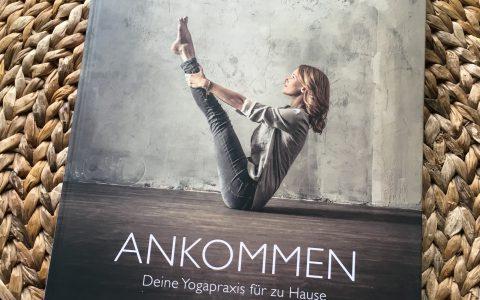Die eigene Yogapraxis für zu Hause